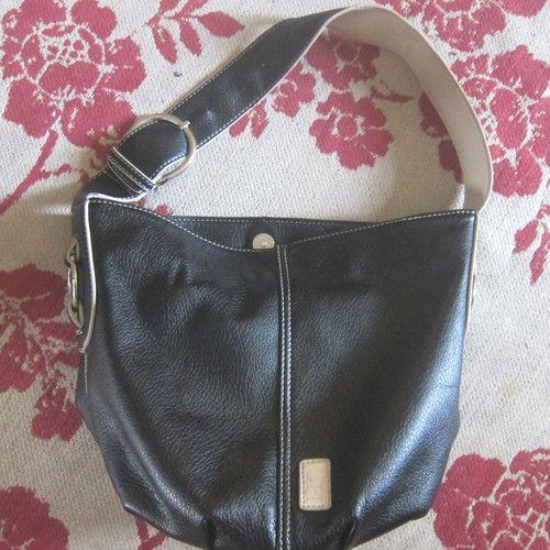 Louenhide Baby Barrel Bag - black and cream