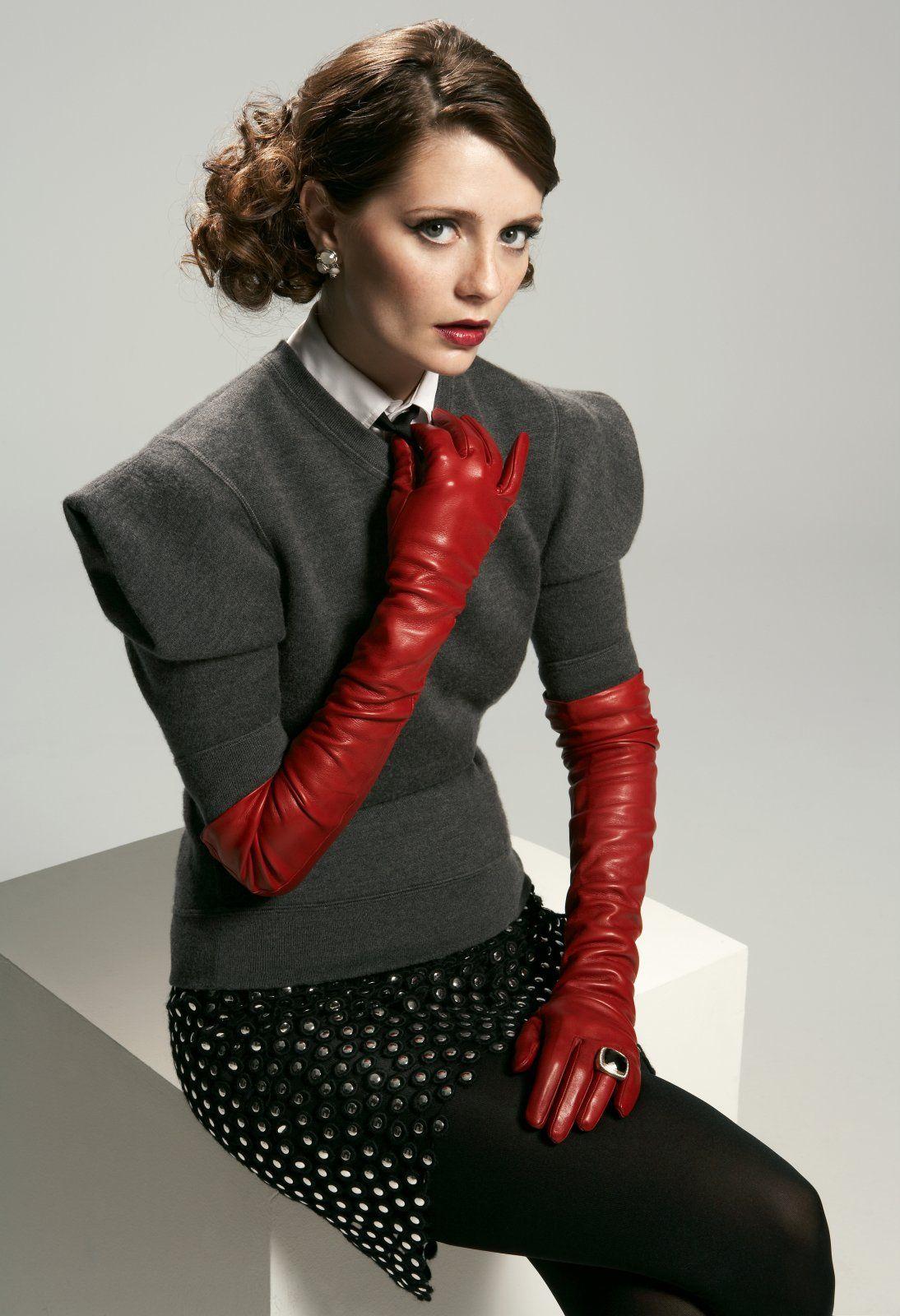 Vintage ladies leather opera gloves - Montyburns56 Mischa Barton Wearing Leather Opera Gloves