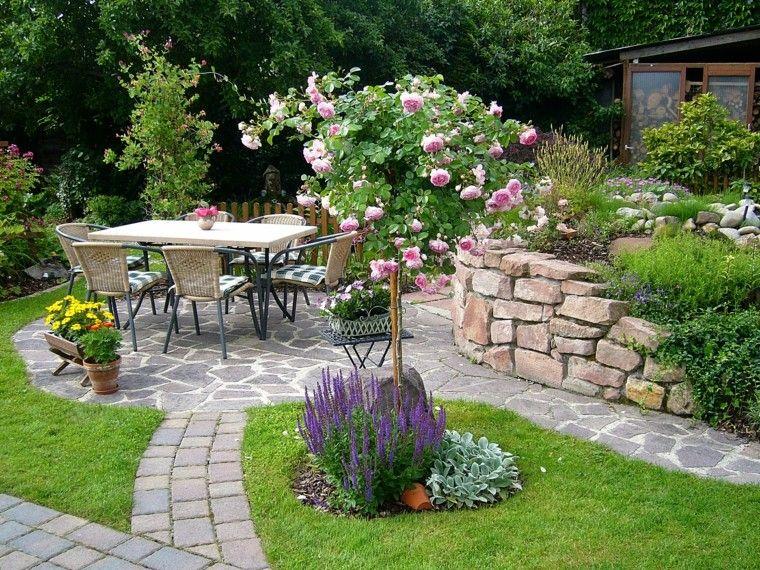 rosal cesped huerta muros comidas terraza espacio madera orchard