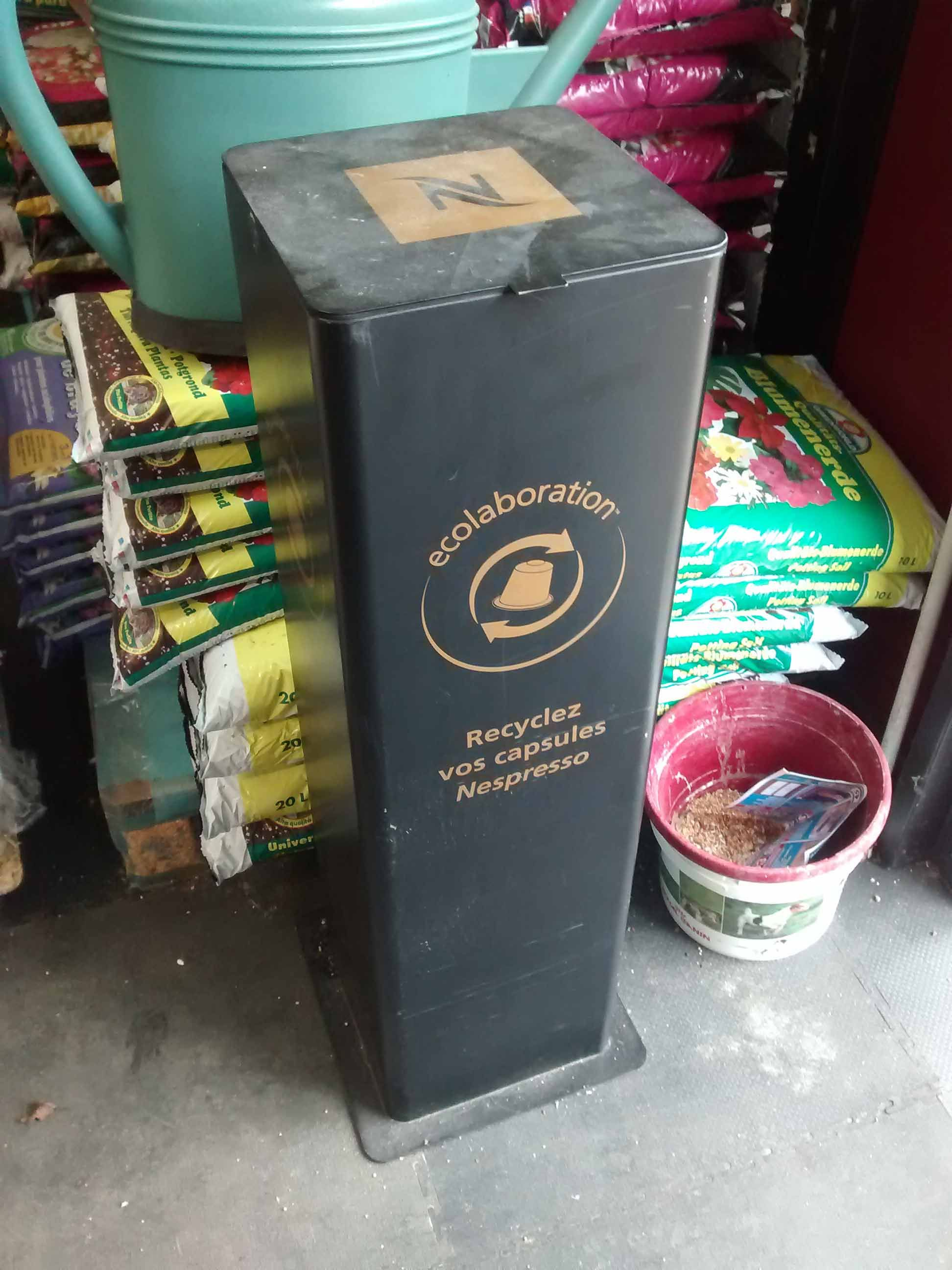 nespresso borne recyclage capsules point relais 2015 10 paris ecolo 39 g pinterest. Black Bedroom Furniture Sets. Home Design Ideas