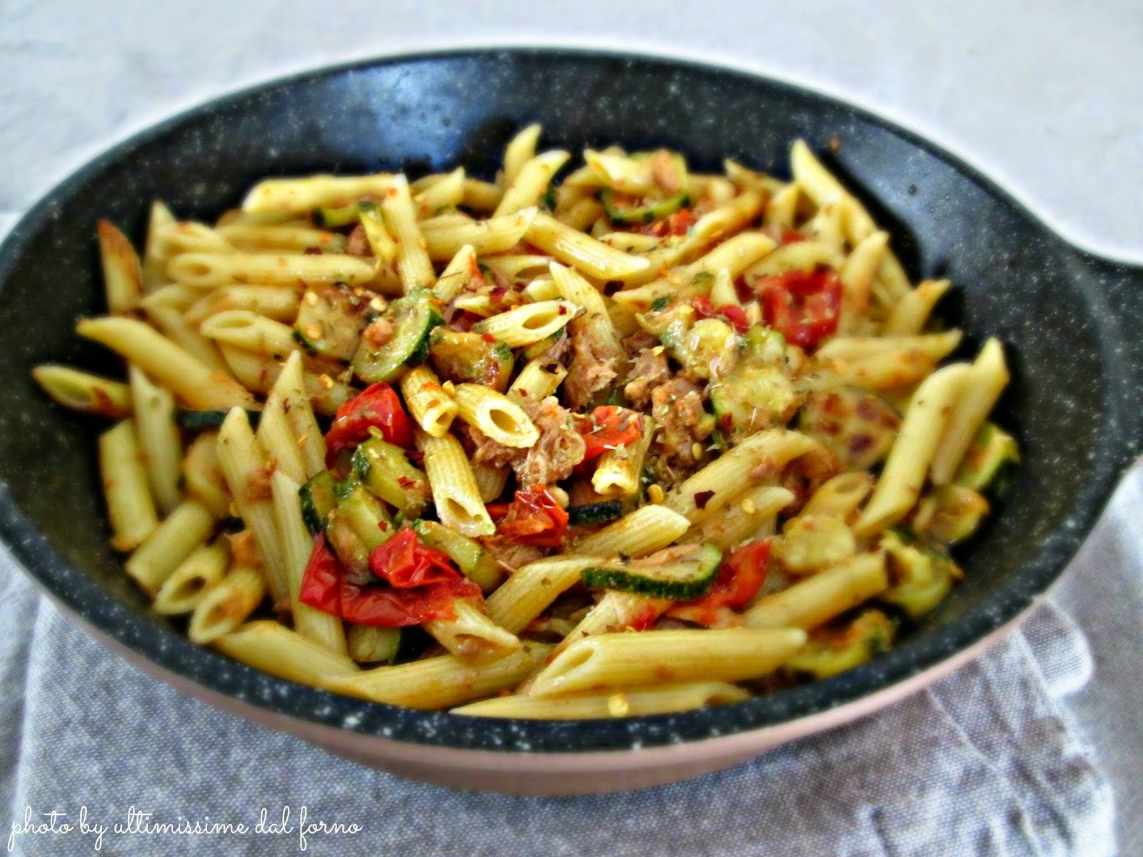 Pasta con tonno e pomodoro - Ricetta Il Cuore in Pentola