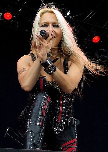 Female Rock Stars Biggest Female Rock Star Of All Time Page 2 Classic Rock Forum Female Rock Stars Heavy Metal Music Female Musicians