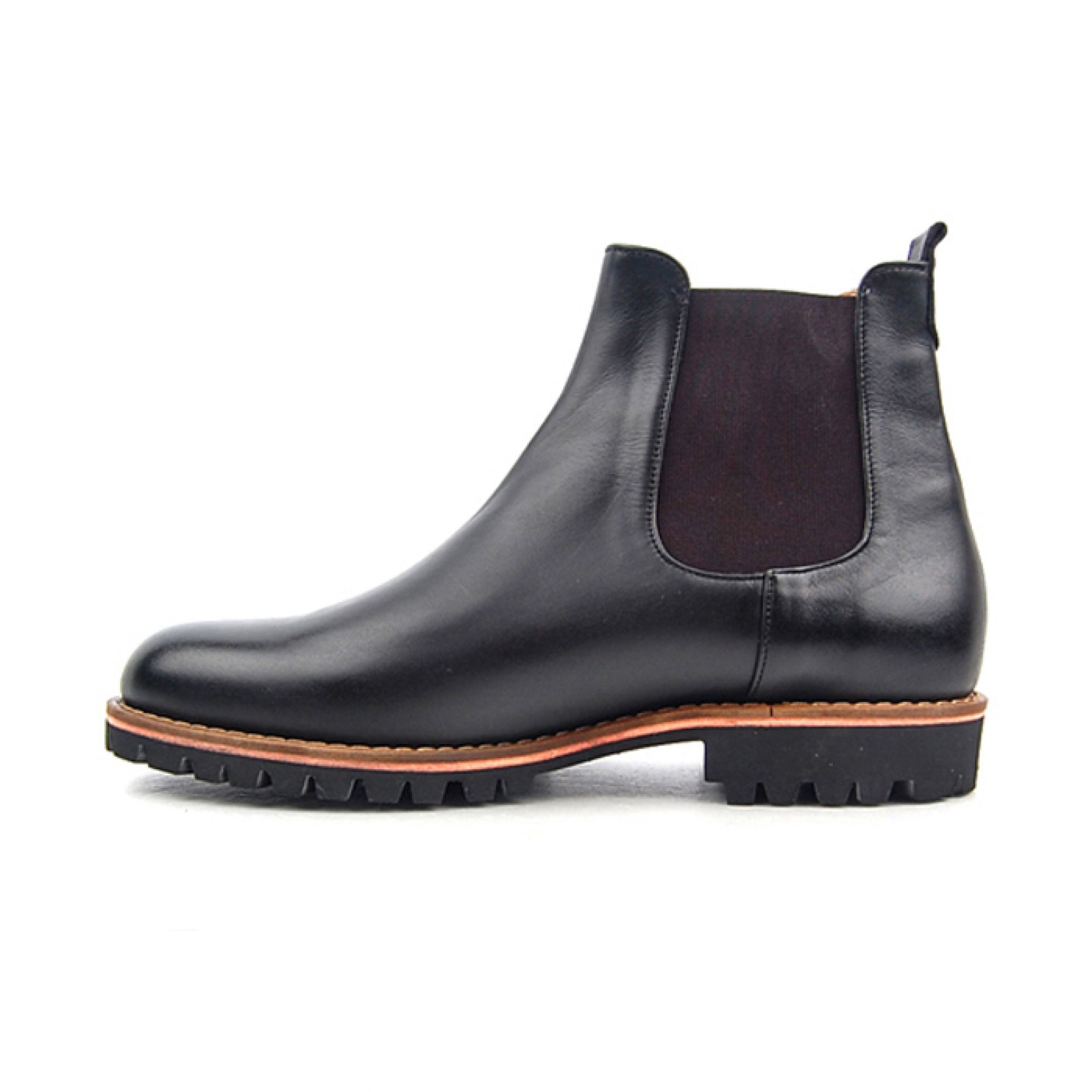 H3THECLASSIC CHELSEA BOOTS #h3theclassicl#handmadeshoes#shoes#madeinkorea#instashoes#classic#menshoes#oxford#h3theclassic#fashion#custom#handmade#mensshoes#instashoe#손신발#에이치쓰리더클래식#수제화#남성수제화#남자수제화#커스텀#남자구두#핸드메이드#신스타그램#맞춤#fashionaddict#dailystyle#instafashion#ootd#ootdmagazine#lookbook#streetchic#데일리룩