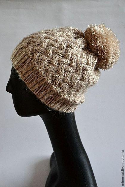 Бежевая шапка с помпоном - бежевый,шапка,помпон,шапка с помпоном,шерсть