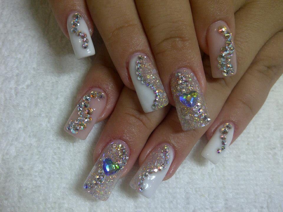 En plata con cristales i love nails u as plateadas for Pedreria swarovski para unas
