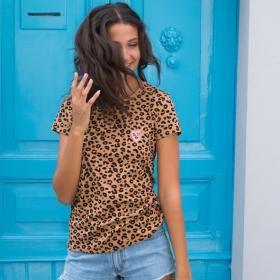 Winky Leopard