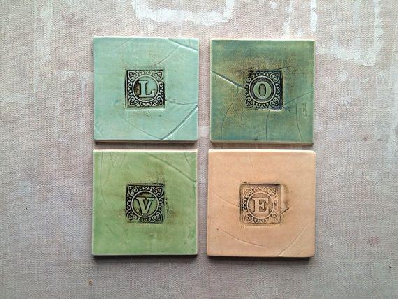 Lettera piastrelle in ceramica o sottobicchieri di persimmonstreet