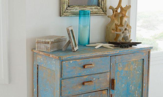 Envejecer muebles modernos