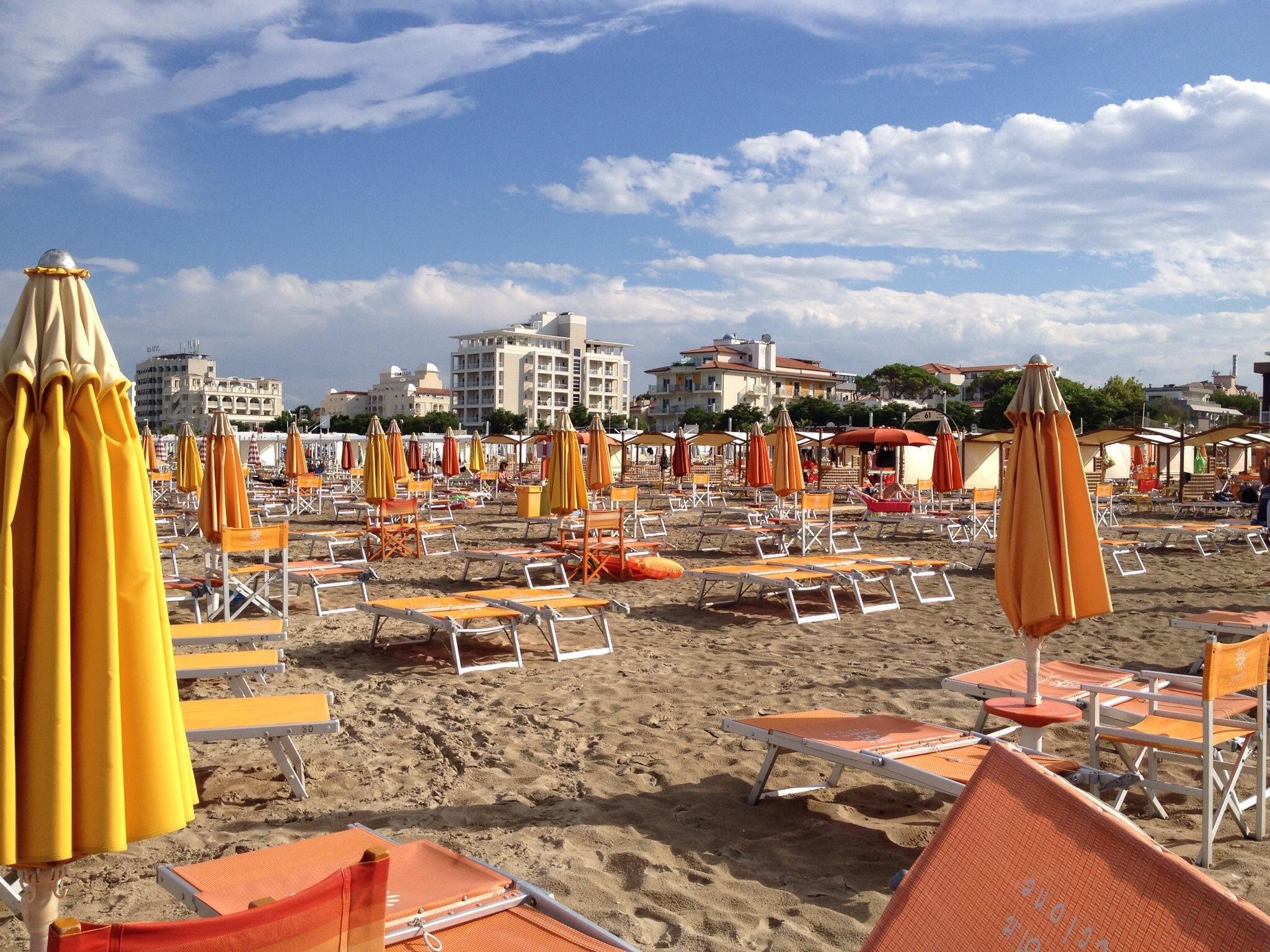 Spiaggia 61 - Della Rosa (Riccione, Italy): Top Tips Before You Go ...