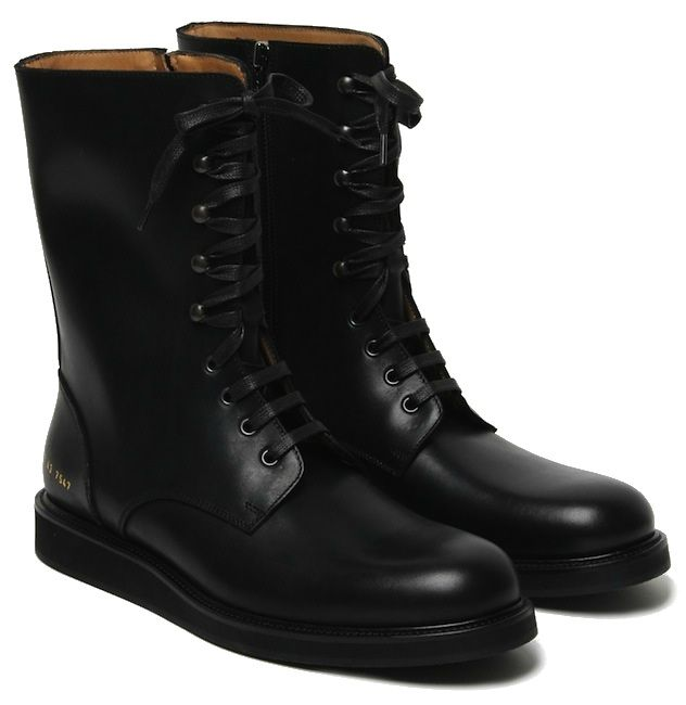 É sempre bom ter um par de combat boots para tornar o look mais moderninho. #fashion #apparel #clothing #fashion