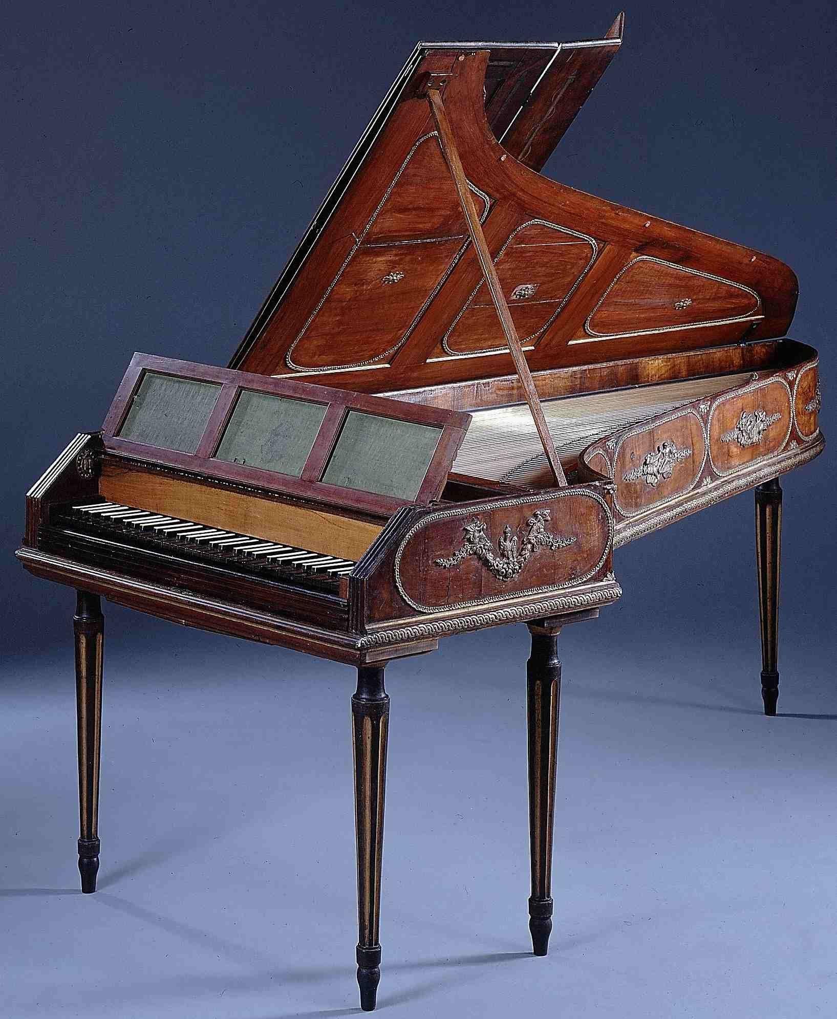 18th-century fortepiano.