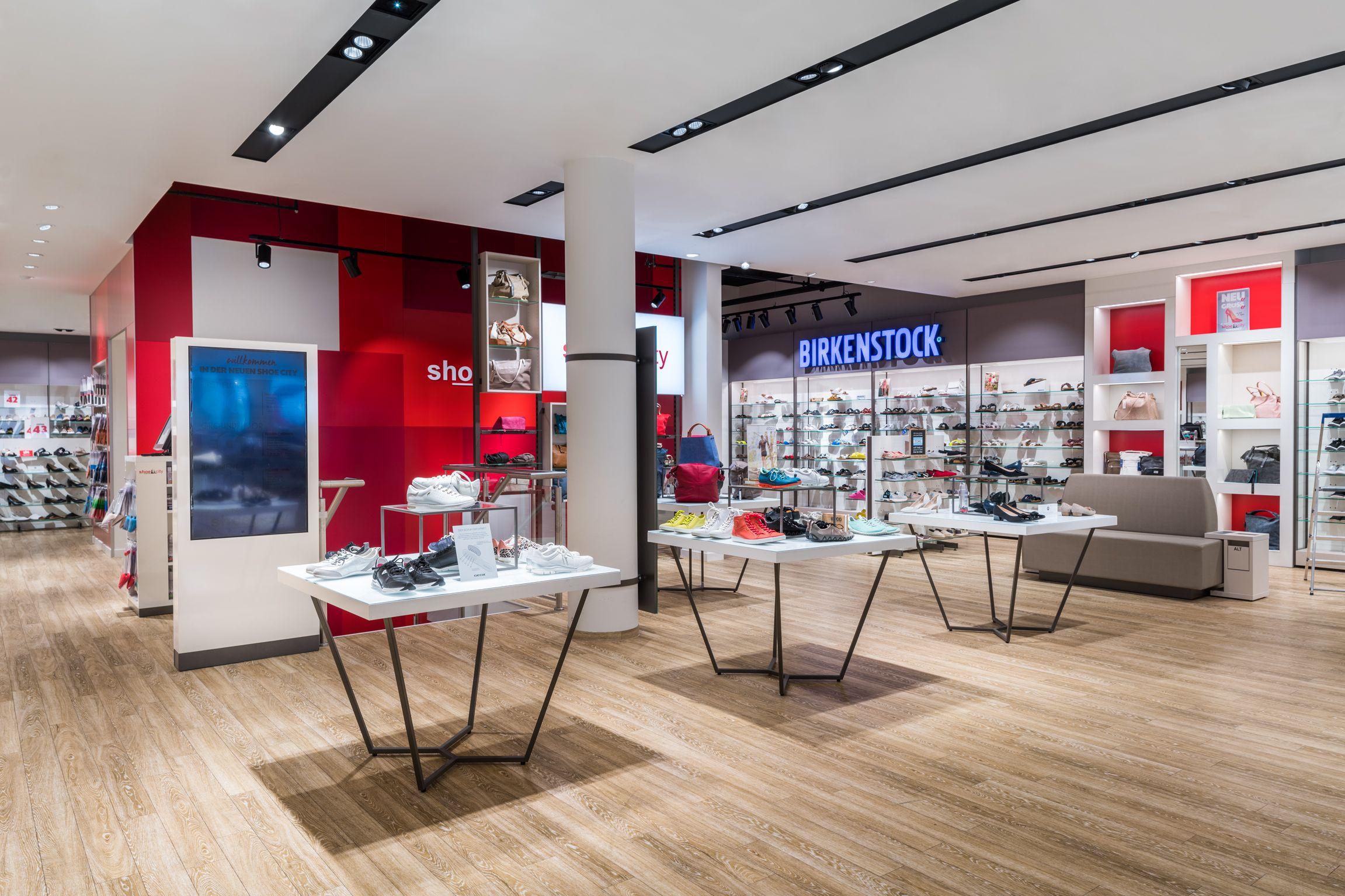 Shoe City Berlin Germany Fashion Shoes Retail Lighting Led Beleuchtung Licht Beleuchtung Led Und Leuchten