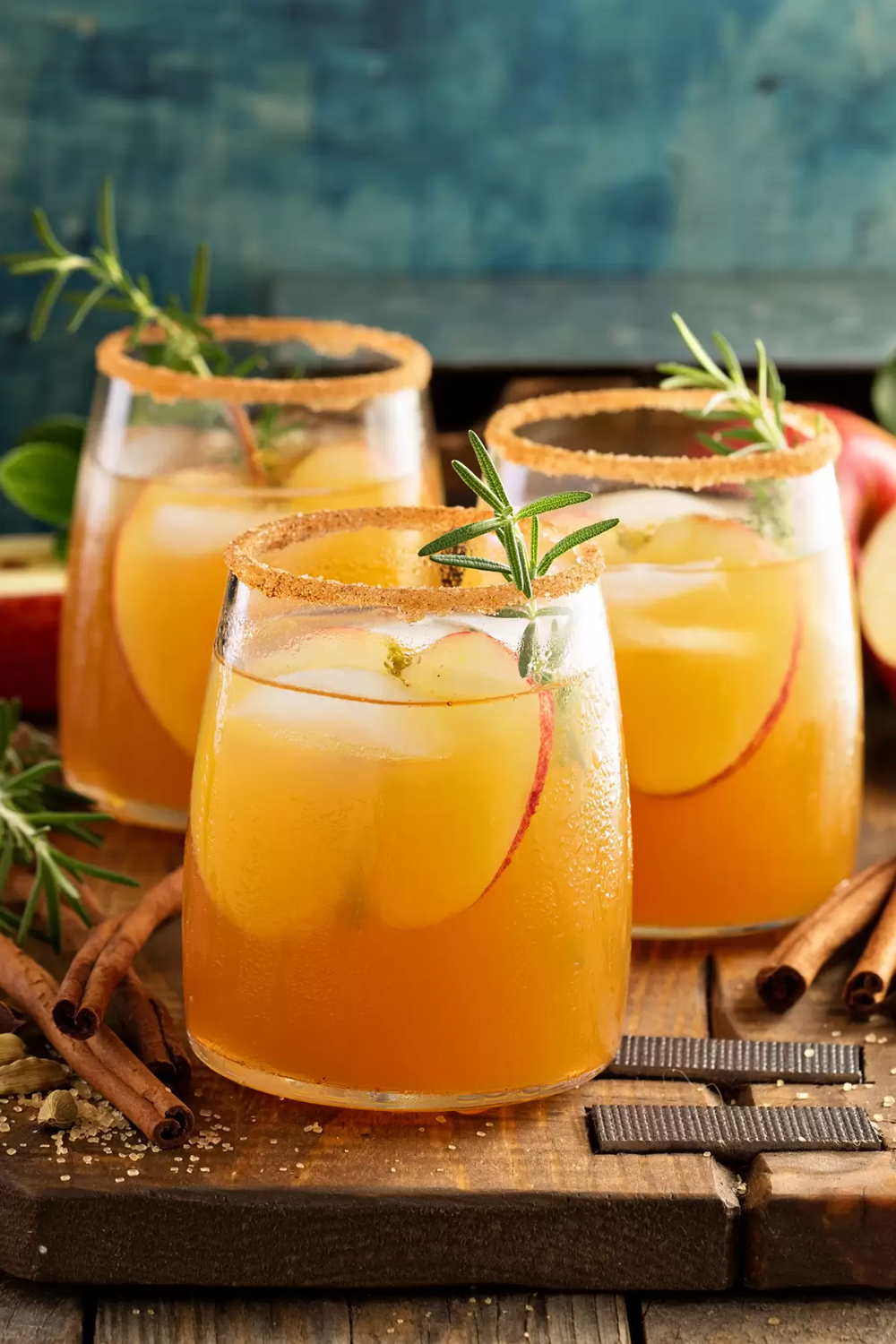 Make this delicious Caramel apple cider sangria drink for fall! Alcoholic cocktail is as delicious as it is stunning for adult parties. #apple #applerecipes #appledrinks #fall #fallrecipes #falldrinks #sangria #applesangria #applecider #craftymorning