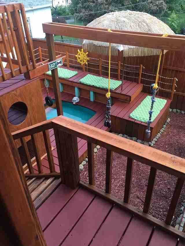 Guy Turns His Backyard Into A Huge Playground For His Dogs ...