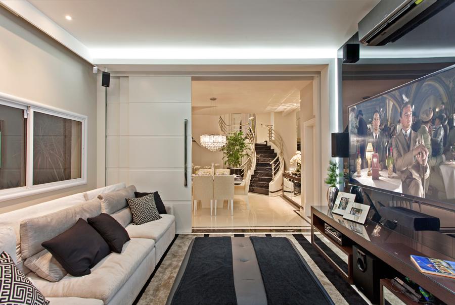 Casa sobrado com fachada moderna em terreno 12x30 - conheça todos os ambientes! - Decor Salteado - Blog de Decoração e Arquitetura