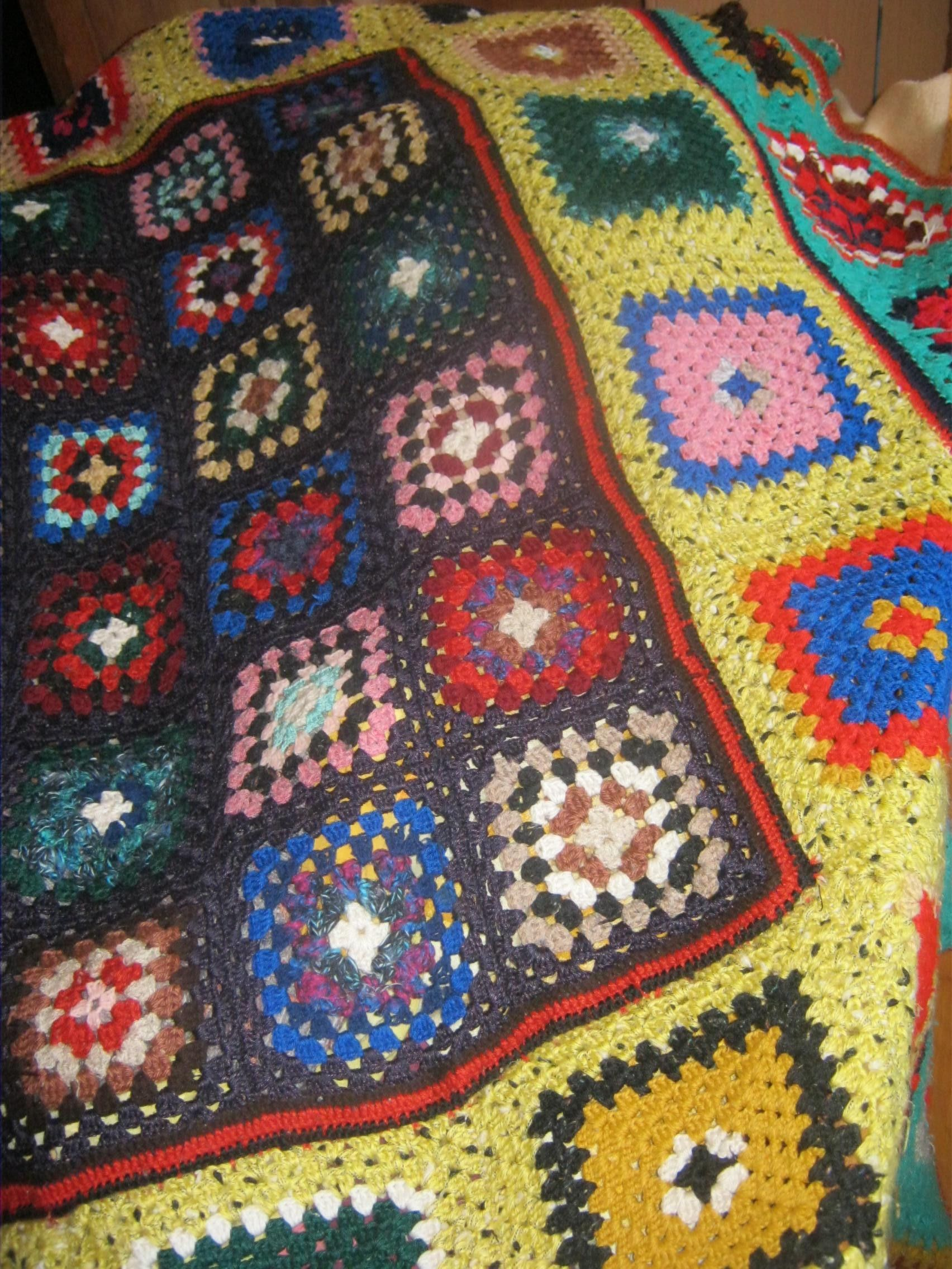 How to Crochet an Easy, Granny Square Bedspread for a King