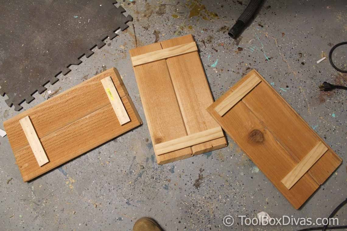 DIY Scrap Wood Crate Christmas Tree Stand Christmas tree