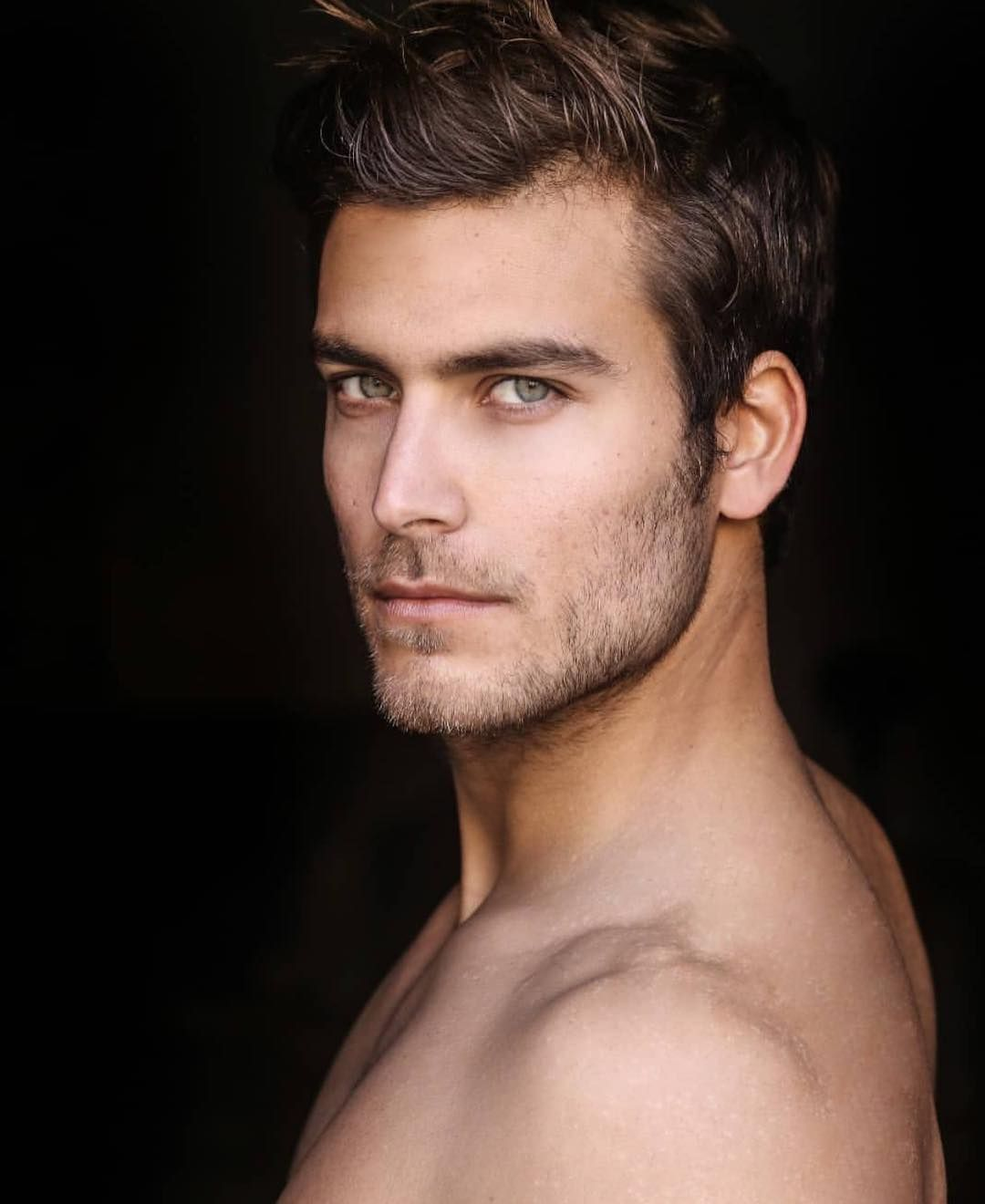 The Unabashed Male On Instagram This Green Eyed Stunner Is Perfect For Mancrushmonday And One Of Beautiful Men Faces Brown Hair Men Guys With Green Eyes