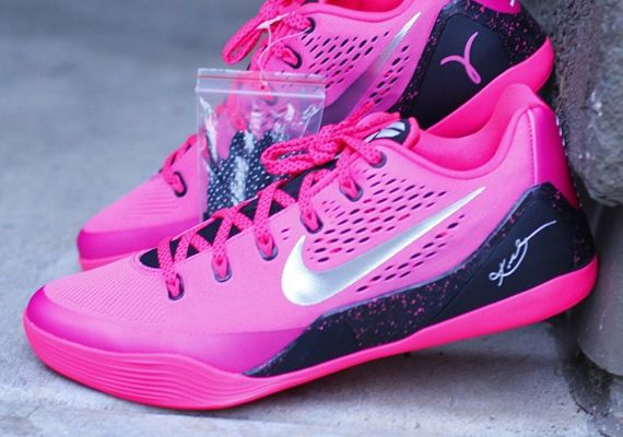 low priced ea64e bc80a kobe-9-think-pink-kay-yow   USA Basketball Shoes   Pinterest   Kobe, Ems  and Nike basketball