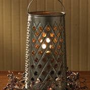 Reproduction of a vintage grater, also available as a tea light lantern (25 watt).