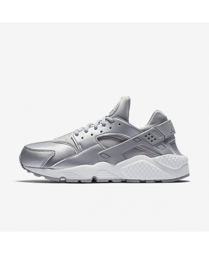 67375ca5c88a Nike Air Huarache SE Metallic Silver Pure Platinum Summit White Matte Silver  Womens Shoe