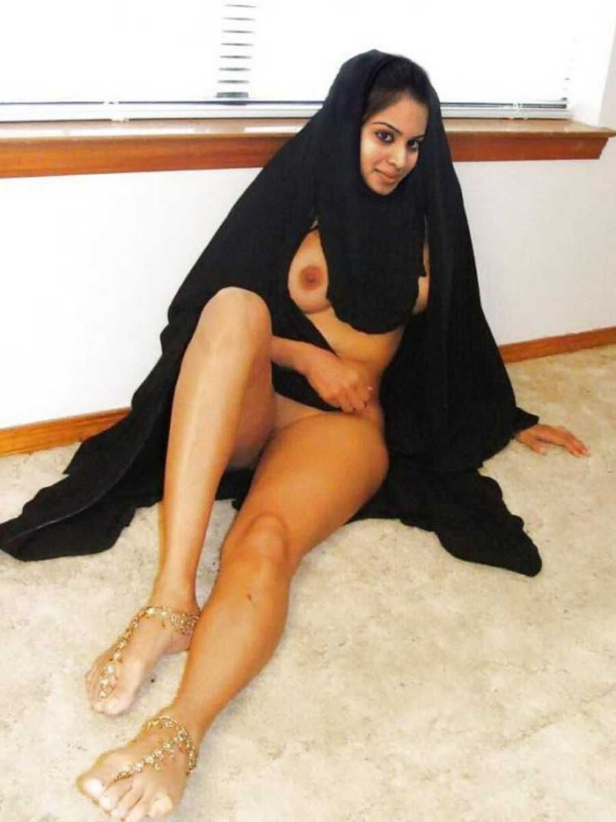 hijab nude sex in dubai