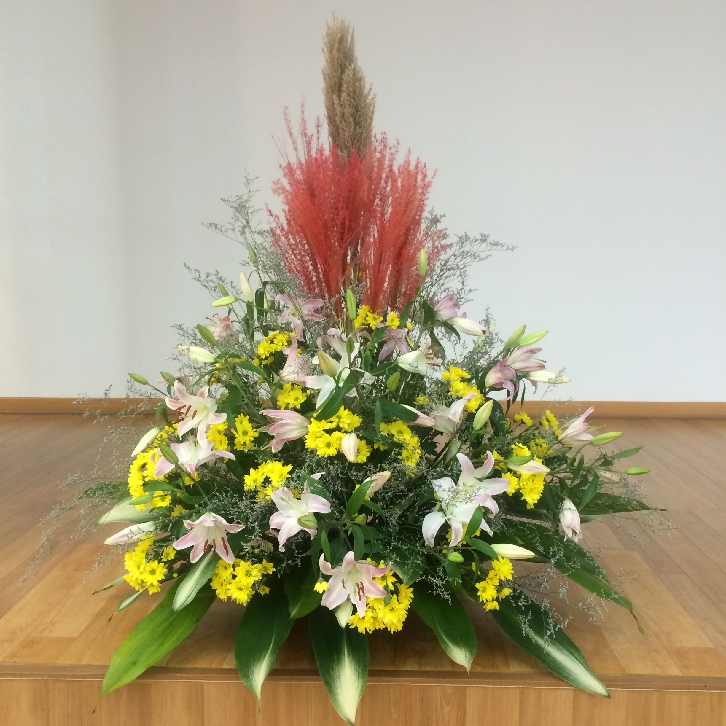 2016918 This Weeks Church Flower Decoration Lily Yellow Flower