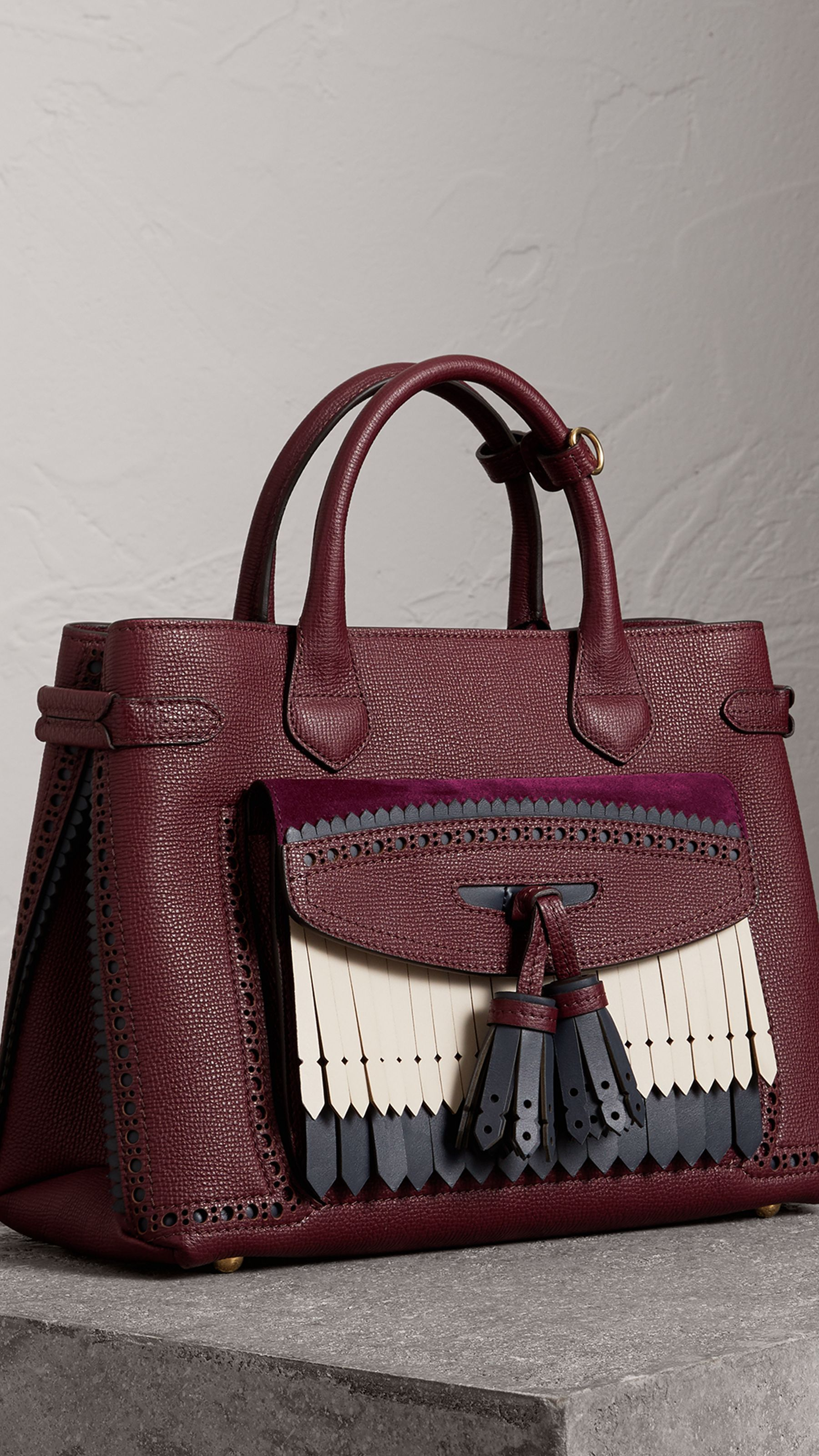 0064abcb95f The Medium Banner in Leather with Fringed Pocket in Mahogany Red - Women