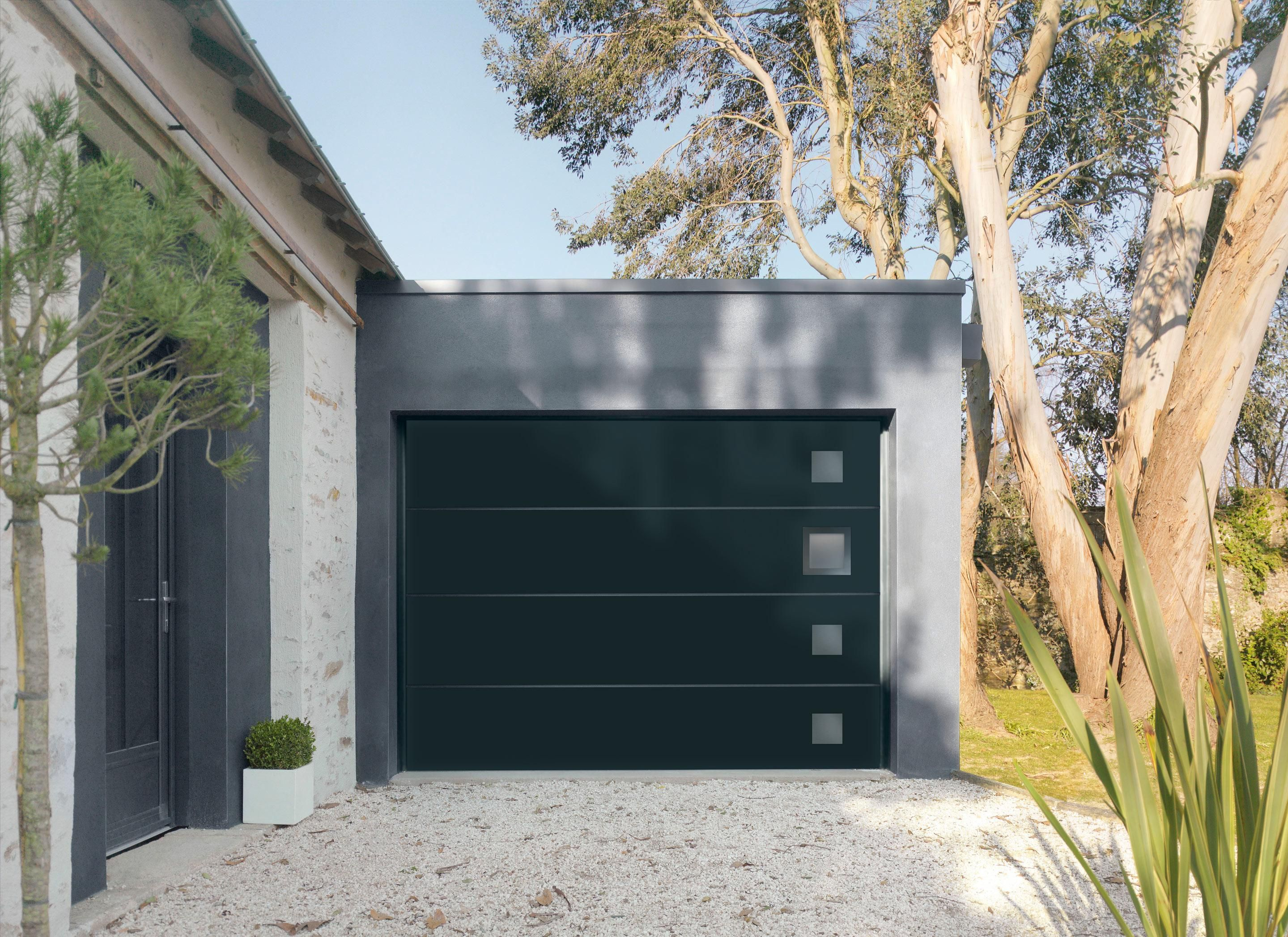 Porte De Garage Sectionnelle Motorisee Artens Premium H 200 X L 240 Cm Porte De Garage Sectionnelle Porte Garage Et Garage