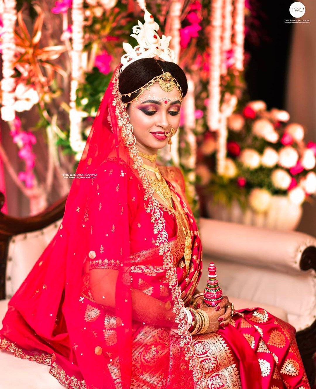 Pin By Harveen Alg On Meti Ke Kushboo In 2020 Bengali Bridal Makeup Indian Silk Sarees Indian Wedding Photography
