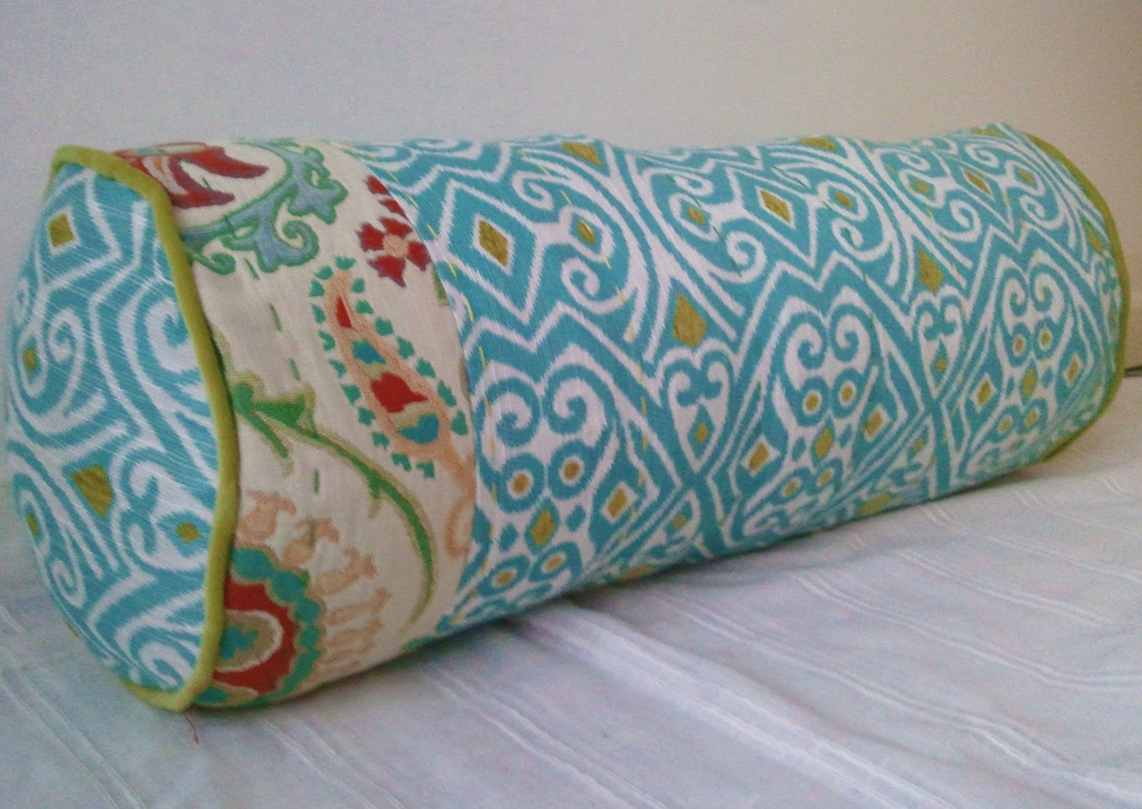 Sew Homegrown: DIY Anthropologie-inspired Bolster Pillow - I am going to use this & Sew Homegrown: DIY Anthropologie-inspired Bolster Pillow - I am ... pillowsntoast.com