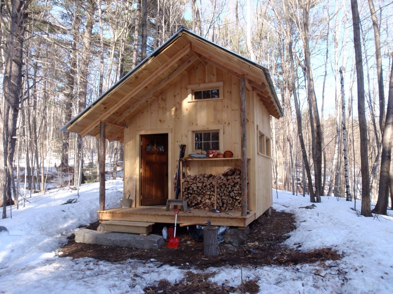 Log cabin in the woods winter - The Fernstone Cabin Tamworth New Hampshire Built With Local Materials By Trevor Curtin Of Grandfather Oak Carpentry Perfect Little Cabin Inthe Woods