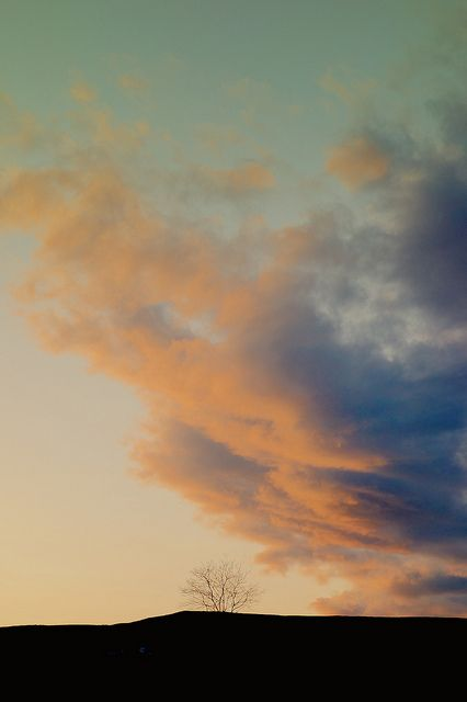 The sky of dusk by u_ran2008, via Flickr