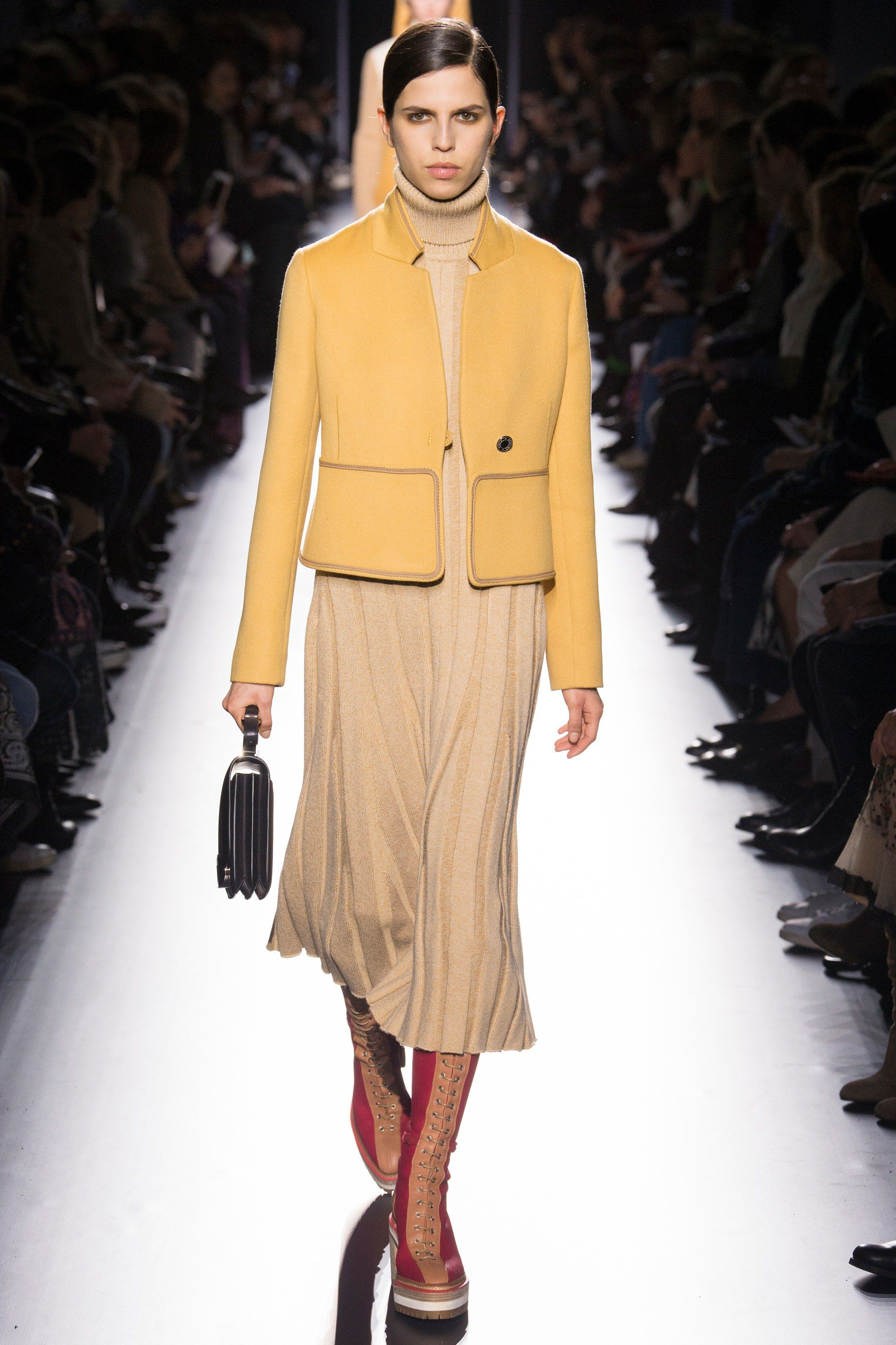 5229ad91e54 See the complete Hermès Fall 2017 Ready-to-Wear collection.