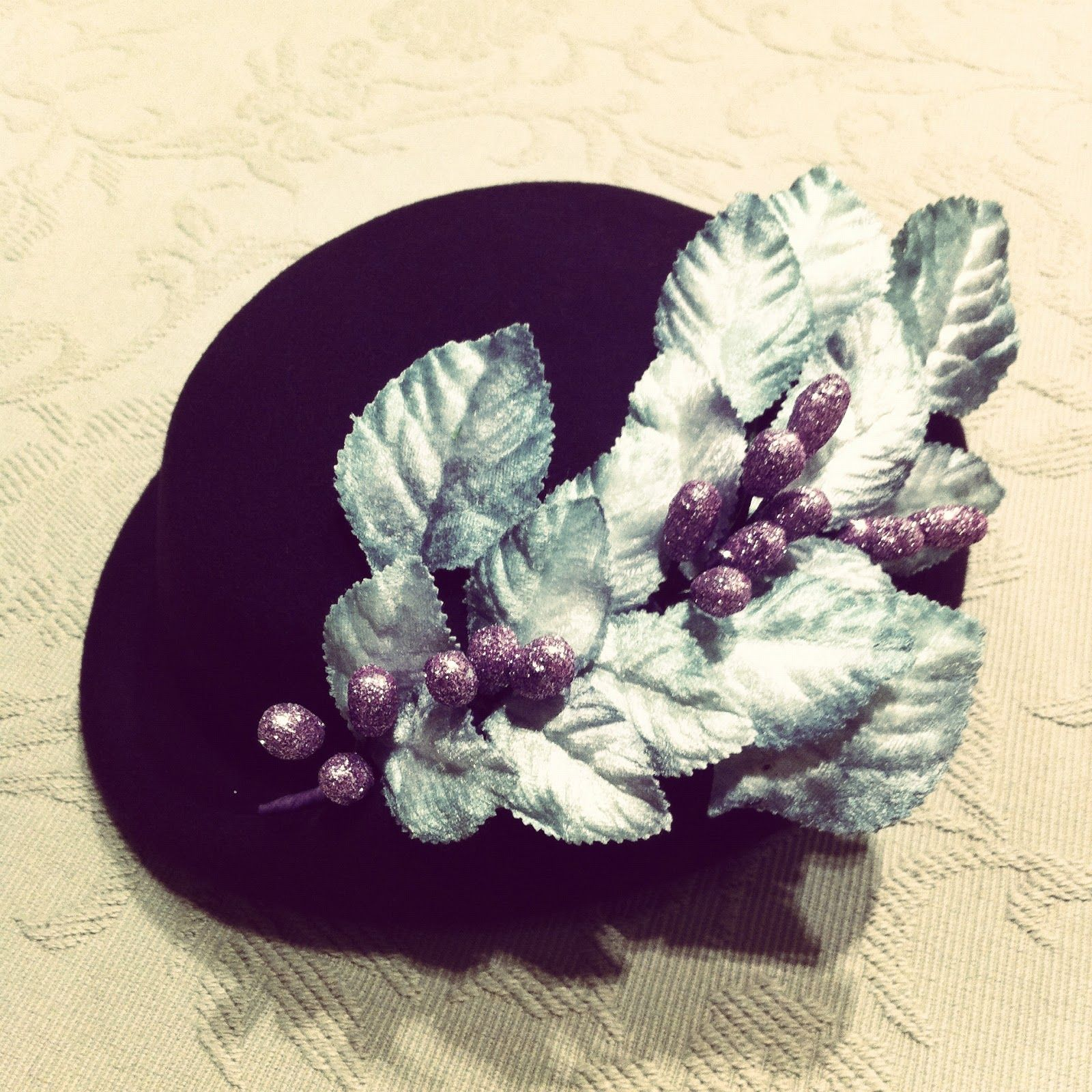 Black hat with glitter branch | Le Touquet, Madrid