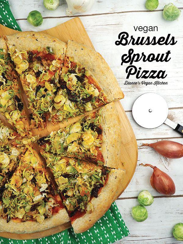 ¡La noche de pizza da un giro saludable con esta pizza vegana de coles de Bruselas! Además ...