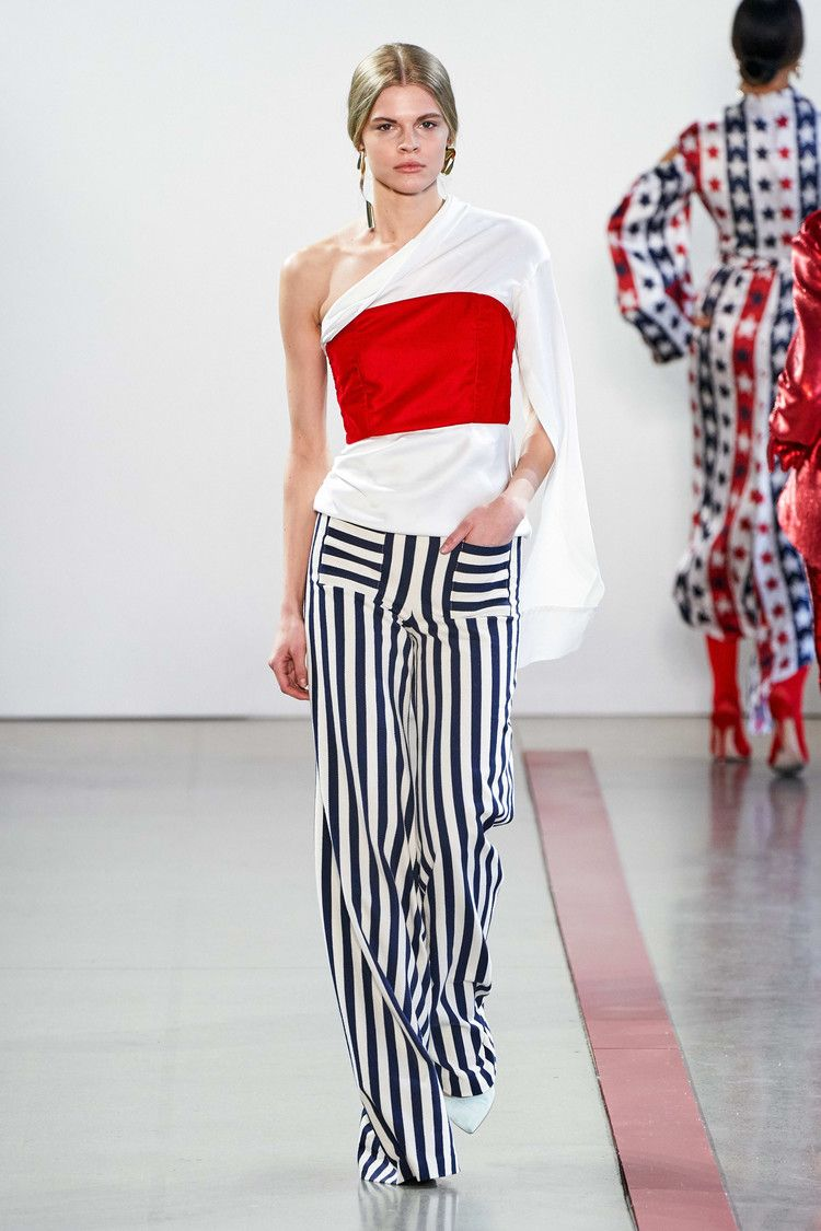 Hellessy Is Seeking Summer 19 Sales Interns Fashionista In 2020 Fashion Ready To Wear How To Wear