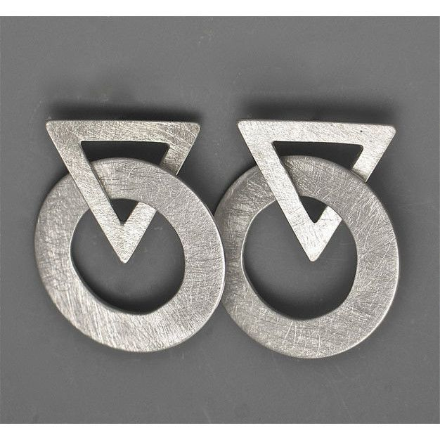 Earrings 7E60 by Suzanne Linquist Silver pearls Metals and