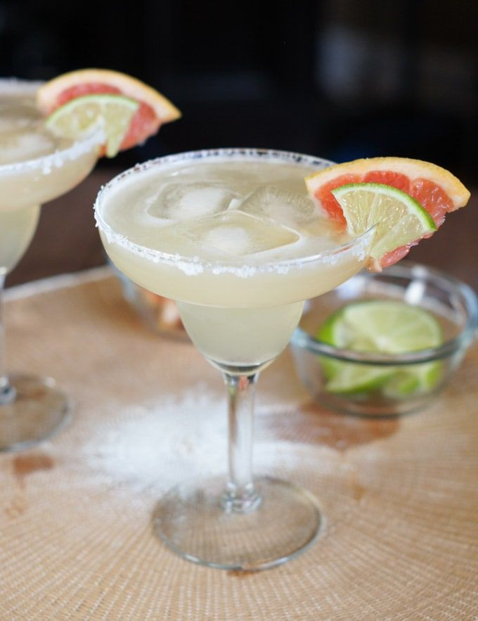 Grapefruit Lime Margaritas | Smart Little Cookie