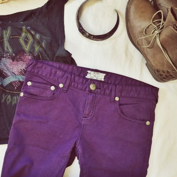 Free People skinny jeans Purple and perfect for spring, these skinny jeans have the classic Free People boho details--aged pewter rivets, angled belt loops and super soft denim. Pair with peasant blouse, crop top or even a blazer for business casual! In excellent used condition. Free People Jeans Skinny