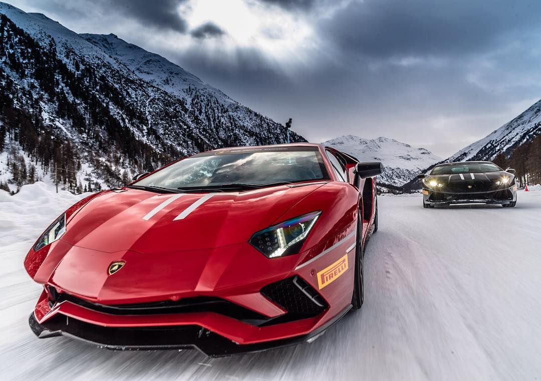 Eleven Stunning Days At Livigno Italy Driving Night And Day On Ice Here The Next Lamboaccademia Programs Squadracorse Voitures De Luxe Lamborghini Voiture