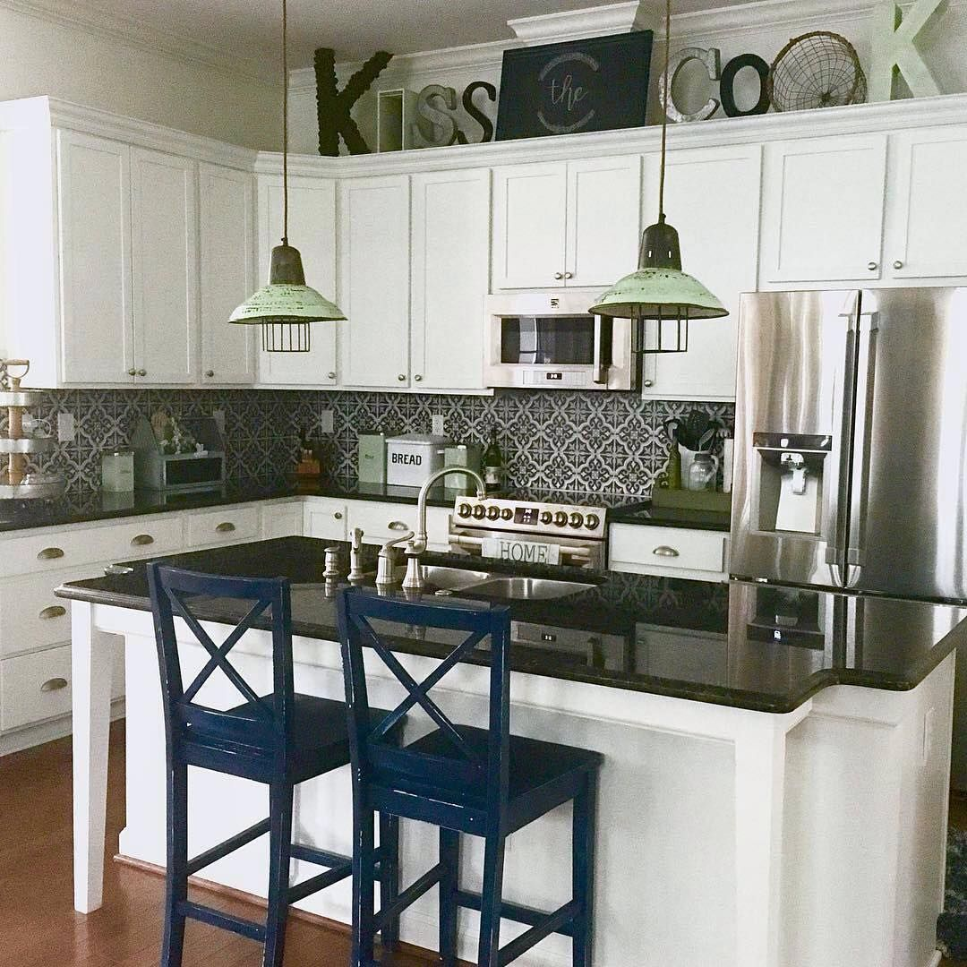 What A Lovely Kitchen Courtney Love Your Kissthecook Spelling Thanks For Including Our Metal Breadbox Too Home Home Decor Inspiration Home Decor Home
