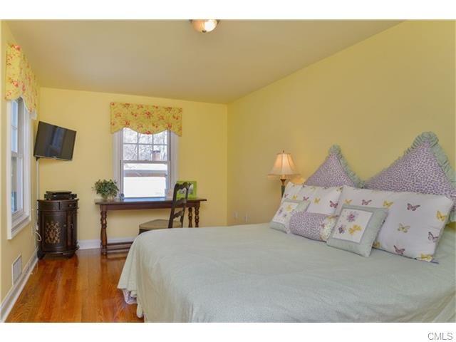 8 PIONEER ROAD, WESTPORT, CT 06880 - Westport CT Real Estate Agent Karen Amaru - William Raveis Real Estate