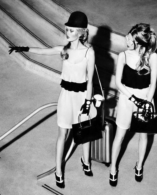 mepenelope:  Frida Aasen & Stina Rapp by Ellen von Unwerth _ Vogue Japan, December 2014.