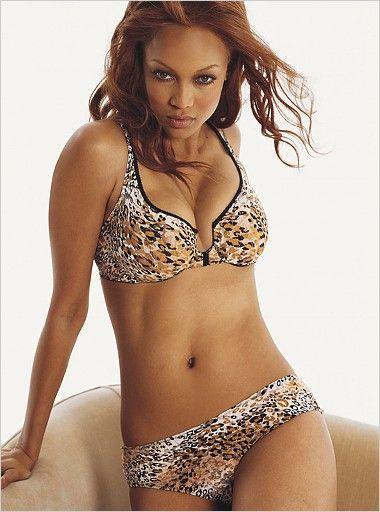 Tyra Banks Victorias Secret Lingerie 2004 - Models Inspiration  Tyra Banks  Tyra Banks -7036