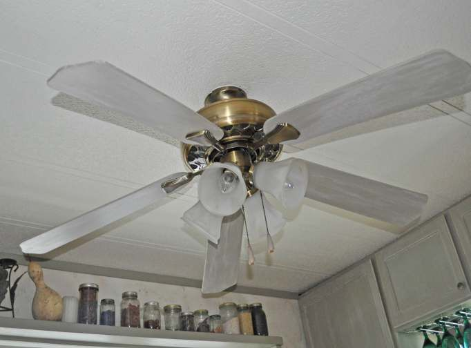 Ceiling Fan Face Lift A Big Impact On A Small Budget Ceiling Fan Mobile Home Decorating Ceiling