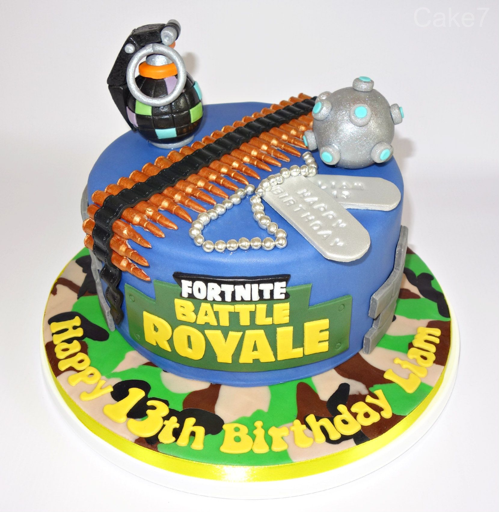 Fortnite Battle Royale cake. www.cakeseven.wix... Facebook