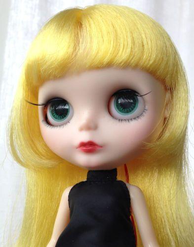 Blythe-doll-Custom-by-Frankie-Darling-MRM-RBL-TINYHAUS-SALE