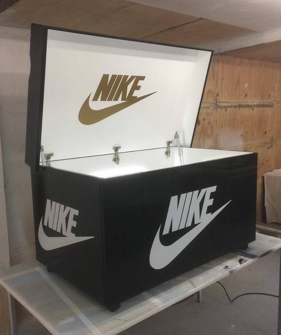 Giant shoe box nike with led lights and glass shelf | Etsy | Boite ...