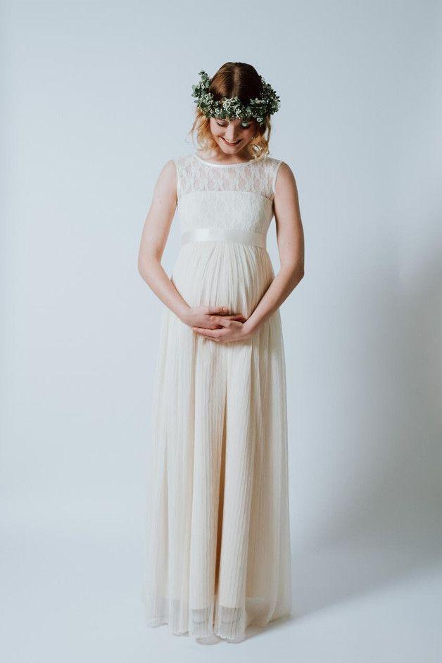 Brautkleider unter 500€ von Ave evA | Pinterest | Low budget wedding ...